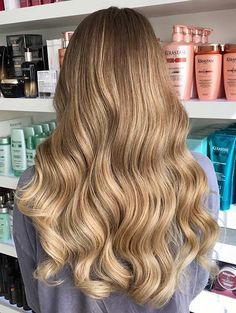25 luscious dirty blonde hair shades hair ideas прически и к Blonde Ombre Hair, Blonde Hair Shades, Platinum Blonde Hair, Ombre Hair Color, Cool Hair Color, Blonde Balayage, Bleached Blonde Hair, Hair Highlights, Dirty Blonde Hair With Highlights