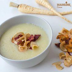 Supa crema de pastarnac / Cream of parsnip soup Parsnip Soup, Mai, Cheeseburger Chowder, Vegan, Cream, Food, Kitchens, Creme Caramel, Eten