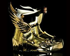 Jewel Designer, Osamu Koyama: incorporated in a line of Snowboard Boots from Nike called: Nike Snowboarding Zoom Force American Eagle Moda Sneakers, Sneakers Mode, Sneakers Fashion, Fashion Shoes, Nike Zoom, Nike Air Mag, Gold Boots, Hot Shoes, Snowboarding