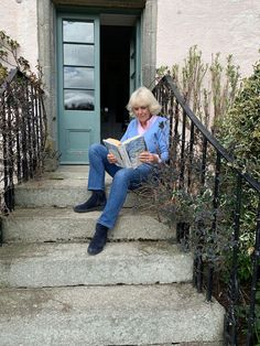 Camilla, Duchess of Cornwall is passing along a list of good reads for those who are spending their Easter holiday away from their loved ones. Camilla, who recently came out of self-isolation to reunite with husband 15th Wedding Anniversary, Camilla Duchess Of Cornwall, Duchess Kate, Elizabeth Jane, British Family, Asian Elephant, Herzog, Prince Of Wales, Prince Charles
