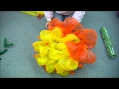 Deco Poly Mesh® Flower.wmv - wreath video