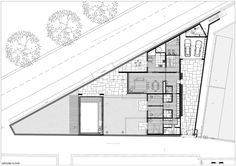 House in a Wall,Planta baixa