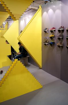 Stand Pitti Uomo Munich by Studio Animal: Producido por Cartonlab Paper Board, Conceptual Design, Visual Merchandising, Munich, Portfolio Design, Wall Lights, Display, Interior Design, Studio