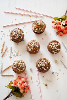 food, blog, blogger, uk, baking, lifestyle, recipe, chocolate, cupcakes, sprinkles, buttercream, icing