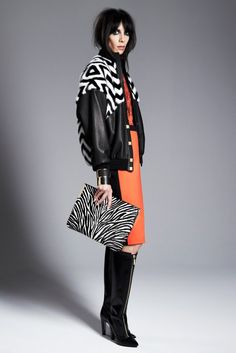 Emanuel Ungaro Pre-Fall 2014 Fashion Show Fashion Show, Fashion Looks, Fashion Design, Fashion Trends, London Clothing Brands, Trend Council, 2014 Trends, Jacket Style, Autumn Winter Fashion