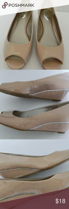 Alfani Cammi Step n Flex Blush Peep Toe Wedge 8.5 Alfani Cammi Step n Flex Beige Blush Peep Toe Wedge Heel Pumps Size 8.5 M  These are beautiful Alfani Cammi Shoes  Step n Flex model  Beige or Blush color  With Peep Toe and Wedge Heel Pumps  Size 8.5 Medium  Synthetic Upper /Silver Tone band around wedge heel  Great condition with slight wear to soles   Message with any questions Alfani Shoes Wedges