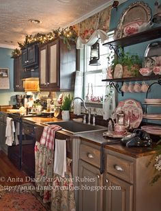 Far Above Rubies: Farmhouse Christmas Kitchen.I Would Do Christmas EVERy day of the Year.If it did not 'upset' others! Farmhouse Christmas Kitchen, Cozy Kitchen, Rustic Kitchen, New Kitchen, Vintage Kitchen, Kitchen Decor, Kitchen Design, Kitchen Country, Kitchen Walls