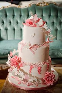 Wedding cakes around the world - Christopher Adolph/STOCK4B/Getty Images