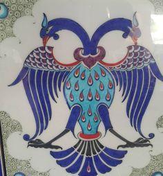 Pottery Painting Designs, Paint Designs, Bedroom Canvas, Art Nouveau Tiles, Turkish Art, Ottoman, Oriental, Illusion Art, Ceramic Design
