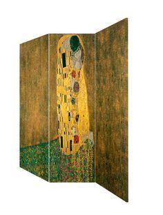 Paravan Gustave Klimt Kiss Paravan Gustave Klimt Kiss, trei panouri din cadru de lemn acoperit cu panza canvas imprimata cu imagine reprodusa dupa pictura celebra semnata de Klimt.