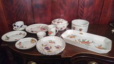 Royal Worcester Fine Porcelain Made In England . Oven To Tableware. 3  Dinner Plates,