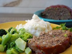 Do you want to know how to make the world's best meatloaf? Well, guess what? Here is the recipe for the world's best meatloaf, and yes, it really is that wonderful. Meat Recipes, Dinner Recipes, Cooking Recipes, Healthy Recipes, Salmon Recipes, Delicious Recipes, Recipies, Beef Dishes, Food Dishes