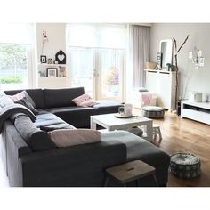 Simple and welcoming living room