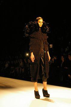 Dawid Tomaszewski Show @ Berlin Fashion Week. Over 80 Pictures: http://www.my-dress-codes.de/magazin/dawid-tomaszewski-show-berlin-fashion-week/