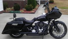 Image from http://dryheatembroidery.com/wp-content/uploads/2013/05/Harley-Road-Glide.jpg.