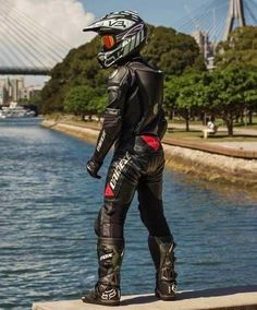 Biker lads and trackie lads to the front please Motorcycle Suit, Motorcycle Leather, Biker Leather, Leather Pants, Motocross Outfits, Motorbike Leathers, Latex Men, Dirtbikes, Cool Outfits