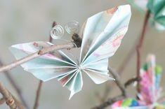 Askartele erilainen virpomisvitsa. Tee itse paperiperhosia lahjapaperista, kartongista tai sanomalehdestä koristeiksi.