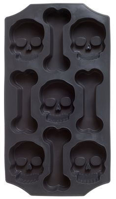 SKULL & BONES ICE TRAY - Make your Halloween punch even spookier by serving it with skull & bones shaped ice cubes! This flexible silicone tray will make 9 creeptacular cubes and is even dishwasher safe. Halloween Punch, Halloween Trick Or Treat, Fall Halloween, Halloween Party, Halloween Kitchen, Home Sweet Hell, Gothic Home Decor, Gothic House, Skull And Bones