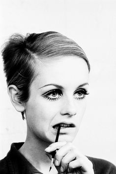 Twiggy photographed by Burt Glinn, 1966