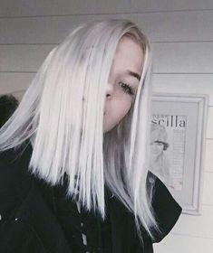 Most Updated Totally Free Platinum White Hair Strategies, Cabelos brancos parecem Long Bob Blonde, Ice Blonde, Pretty Hairstyles, Girl Hairstyles, Hair Inspo, Hair Inspiration, Langer Bob Blond, Blonder Bob, Grunge Hair