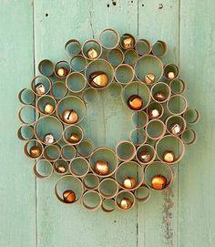 recycler le rouleau de papier toilette, belle décoration de Noel pour la porte d'extérieur