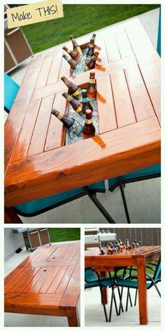 Mesa com cooler embutido