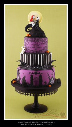 Love Love nightmare before christmas cake! !!!! Would love yp do this theme for a party!!!!