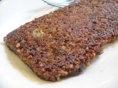 Goetta / Scrapple with Beef & Oats: 1 lb ground beef 1 lb ground pork or 1 lb sausage 8 cups water 2 1⁄2 cups pinhead oats or 2 1⁄2 cups steel cut oats 1 large onion, chopped 1 -4 bay leaf 3 teaspoons salt 1 pinch pepper