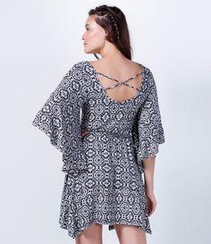 Vestido Estampado com Detalhe nas Costas - Lojas Renner