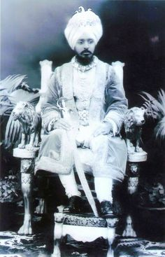 Maharaja RIPUDAMAN Singh (4 March 1883) only son of Maharaja Hira Singh ruled NABHA State from 1911-1928 By Rohit SOnkiya Duleep Singh, India People, India And Pakistan, Best Places To Live, British Colonial, Bright Stars, Royal Families, King Queen, Asian Art
