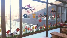 Induge in the beauty of Spring season with Easter Window decorations. Do window decorations for your home. Check out DIY Easter Window decorations here. Classroom Window Decorations, School Decorations, Spring Art, Spring Crafts, Ventana Windows, Decoration Creche, Daycare Crafts, Window Art, Diy And Crafts