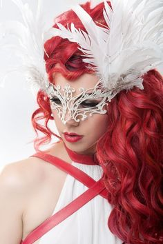 A great masquerade idea. Beauty Full, Daily Beauty, Beauty Lookbook, Masquerade Party, Masquerade Masks, Beautiful Mask, Carnival Masks, Pretty Hairstyles, Her Hair