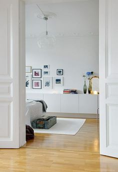 Ikea Besta as bedroom storage Home Bedroom, Home Living Room, Living Spaces, Peaceful Bedroom, Living Area, Floating Cabinets, White Cabinets, Floating Shelves, Ideal Home