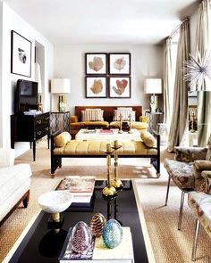Long+living+room+gold+-+nuevo+estilo+by++Estefan%C3%ADa+Carrero+and++Alejandro+Fauqui%C3%A9.jpg 600×750 pixels