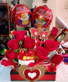 Minnie Mouse, Desserts, Amor, Helium Balloons, Special People, Home Crafts, Happy Brithday, Friendship, Tailgate Desserts