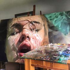 """Die in New York City ansässige Künstlerin Reisha Perlmutter hat sich die Gemälde ihrer """"Aqua""""-Serie von Menschen in kühlen Nass inspirieren lassen."""