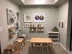 Montessori home art area. Ideas and inspiration for incorporating art into your home. Montessori Playroom, Montessori Toddler, Art Area, Learning Spaces, Kids Learning, Creative Kids, Room Inspiration, Home Art, Furniture