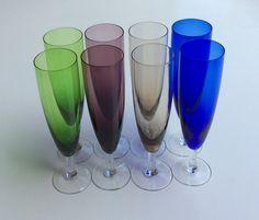 värilliset samppanjalasit . korkeus 18cm . #kooPernu