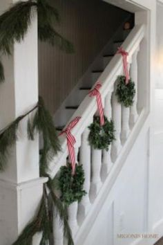 Beautiful Christmas Stairs Decoration Ideas - It's Christmas again, and you're looking at the stacks of decorations you put away last January. It can seem like quite a challenge, especially if you. Noel Christmas, Country Christmas, Simple Christmas, Christmas Wreaths, Beautiful Christmas, Christmas Ideas, Christmas Island, Christmas Cactus, Christmas Music
