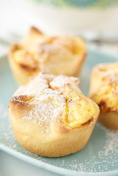 Lemon Ricotta Pies - 27 Gorgeous Lemon Desserts To Soothe Your Winter Blues Check out Dieting Digest Mini Desserts, Lemon Desserts, Lemon Recipes, Just Desserts, Sweet Recipes, Delicious Desserts, Yummy Food, Pie Dessert, Dessert Recipes