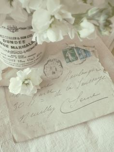 white vintage from shades of white Vintage Shabby Chic, Vintage Love, Vintage Romance, Envelopes, Vintage Accessoires, Vibeke Design, Old Letters, Handwritten Letters, Vintage Lettering