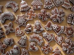 Výsledek obrázku pro the scandinavian christmas market Christmas Baking, Christmas Cookies, Clay Christmas Decorations, Cupcake, Honey Cake, Ginger Cookies, Cookie Designs, Scandinavian Christmas, Royal Icing