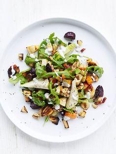 Opskrift på bagte rodfrugter med pærer Pasta Salad, Cobb Salad, New Flavour, Get Healthy, Food And Drink, Veggies, Appetizers, Eat, Cooking