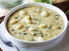 Easy Chicken Gnocchi Soup Recipe - Want a trust copycat recipe that everyone will love? This Olive Garden Chicken Gnocchi Soup is easy, f. Fall Soup Recipes, Easy Dinner Recipes, Olive Garden Recipes, Olive Garden Soups, Cooking Recipes, Healthy Recipes, Vegetarian Cooking, Top Recipes, Healthy Soup