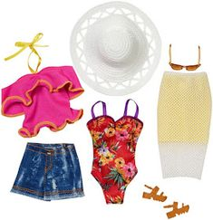 Loving the two-toned skirt and the idea of wearing a bathing suit under the outfit is so time-saving. Ken Doll, Barbie Doll Set, Barbie Dream, Diy Barbie Clothes, Barbie Outfits, Barbie Chelsea Doll, Accessoires Barbie, Barbie Playsets, Barbie Doll Accessories
