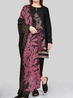 Limelight P 1989 Embroidered Three Piece Lawn Collection Casual Wear, Casual Dresses, Fashion Dresses, Fashion Addict, Girl Fashion, Fashion Design, Boss Suits, Lawn Suits, Pakistani Dresses