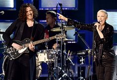 Annie Lennox Belts It Out Onstage With Hozier at Grammys 2015: Video - Us Weekly