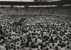 Crowds at Billy Graham crusade, Seattle World's Fair, Seattle, July 8, 1962. Courtesy Puget Sound Regional Archives (CR13992)