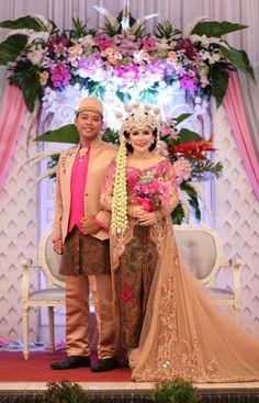 My wedding #Sundanese #traditional #wedding #sigersunda #fuschiawedding #
