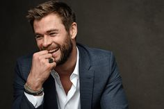 The actor who plays Thor is promoting his native Australia for the country's tourism group. He has a list of what you should see.